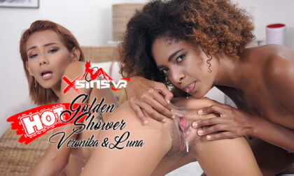 VR Porn Veronica Leal & Luna Corazon - Golden Shower