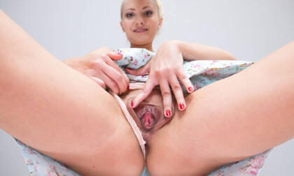 VR Porn Helena's Delicious Pussy