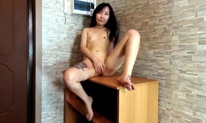 VR Porn Lolli Luna in Skypeshow