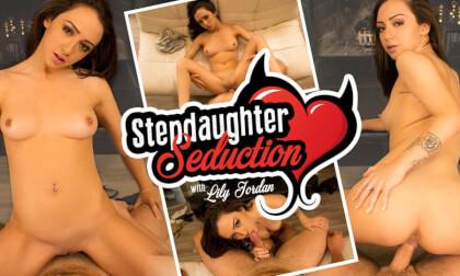 VR Porn Stepdaughter Seduction