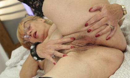 VR Porn Horny lady
