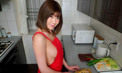 VR Porn Yuuna Ishikawa – Naked Apron Cooking Nabe Creampie Sex Part 1