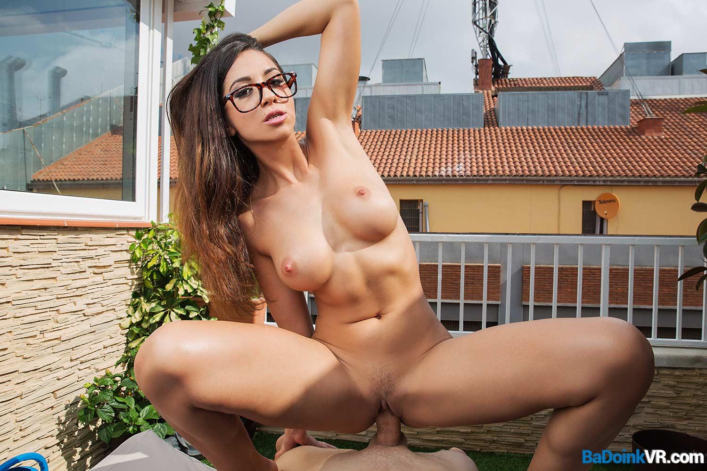 Julia De Lucia & BaDoinkVR | SexLikeReal