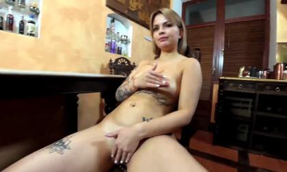 VR Porn Jessica Masturbates Her Pussy on Big Table