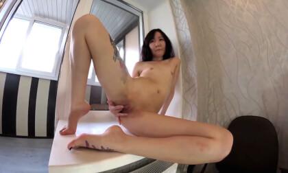 VR Porn Lolliluna in the Kitchen