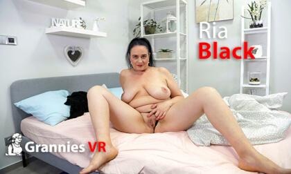 VR Porn Ria Black Solo