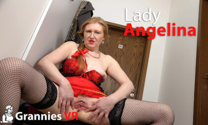 VR Porn Angelina in Years Masturbates in the Hallway