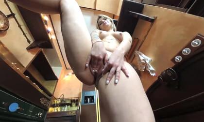 VR Porn Hot Tattoes Teen Jessika Masturbates in the Kitchen