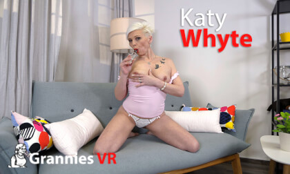 VR Porn Katy Whyte Solo