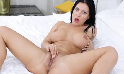 VR Porn Honey Demon Masturbating