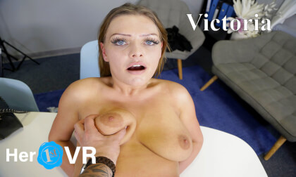VR Porn Victoria - First VR Casting