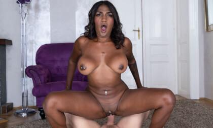 VR Porn Ebony Beauty