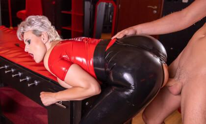 VR Porn Mistress Angel Wicky