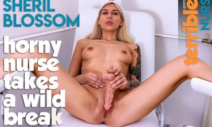 VR Porn Horny Nurse Takes A Wild Break
