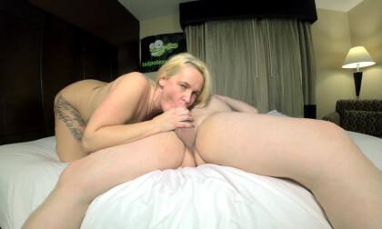 VR Porn HOT MILF Ivy Carlson Fucks and Sucks Tad Pole with Rimming