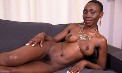VR Porn Hot African Girl On Her Couch Needs Some Dick