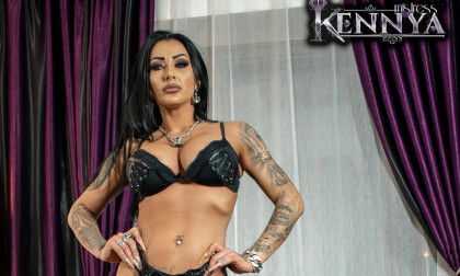 VR Porn Mistress Kennya - A Gift For You From My Date