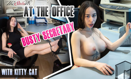 VR Porn At the Office - Busty Secretary