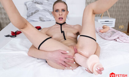 VR Porn Fisting Her Own Ass!
