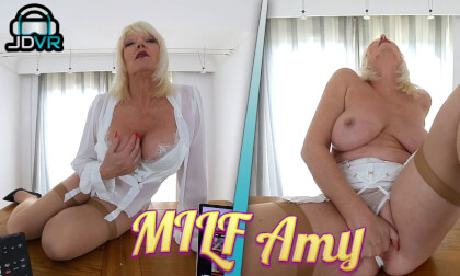 VR Porn Milf Amy, Working From Home