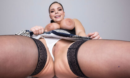 VR Porn Big Tits And Young Pussy