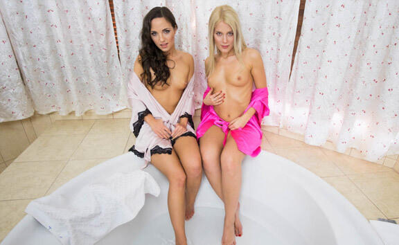 Bathroom Fun With Kristy Black And Sweet Cat