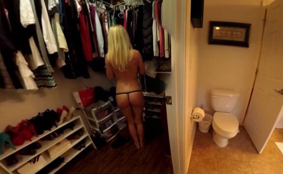 VR Porn VRgirl Natasha Changing In Dressing Room VOYEUR!