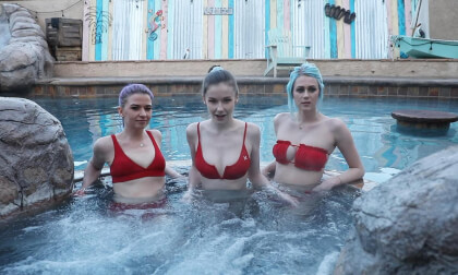 VR Porn Hot Tub Voyeur