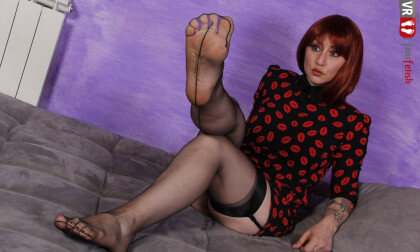 VR Porn Sexy Redhead Ammalia Teases You With Her Stunning Feet