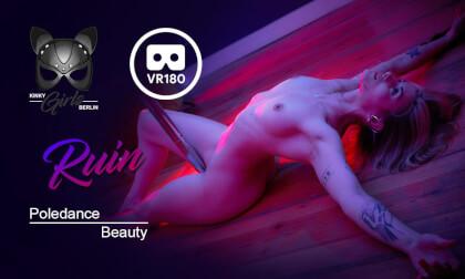 VR Porn Poledance Beauty