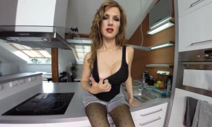 VR Porn Wanna Cum Under My Skirt Mister starring Carol Gold