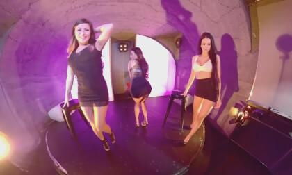 VR Porn Kinga & Nicole & Sofia Striponstage