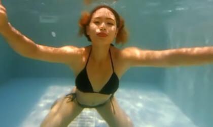 Compilation - 2 Bikini Girls Underwater