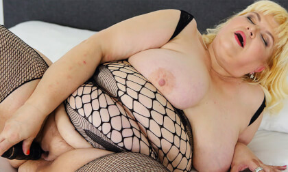 VR Porn Blonde BWW Masturbation