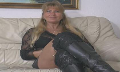 VR Porn Pussyshow.... Anita
