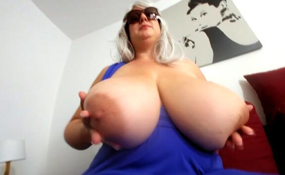 VR Porn Stella's Blue Dress Strip